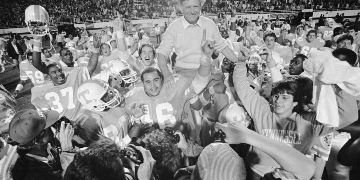 Johnny Majors, legendary Tennessee coach, dies at 85