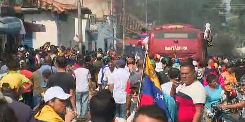 Soldiers unleash tear gas amid tension on Venezuela's border