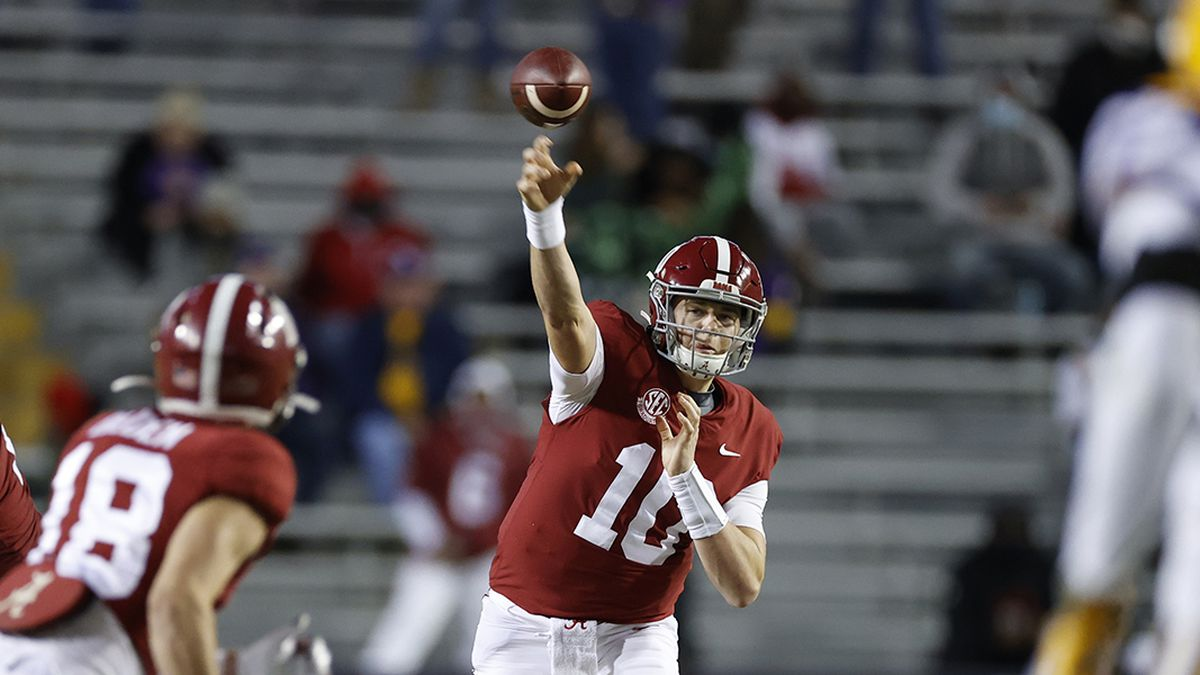 Mac Jones, Jaylen Waddle included in 4 Alabama players to declare for NFL Draft