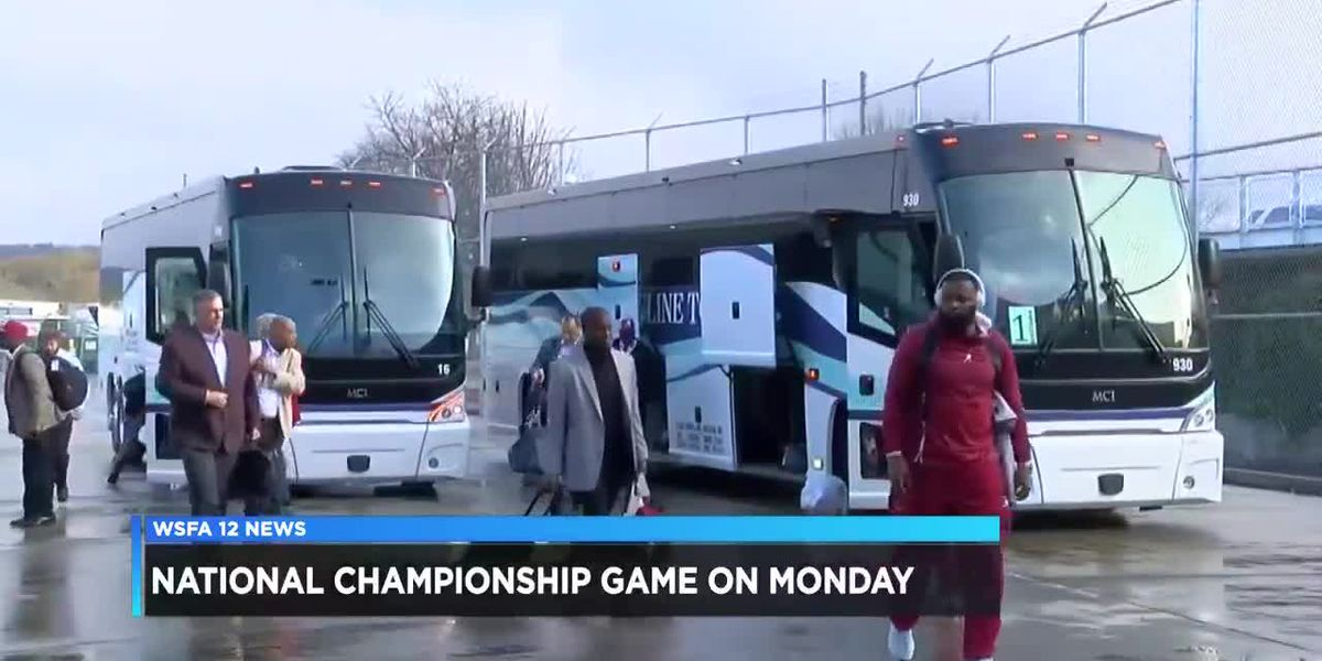 Alabama departs for California for national championship