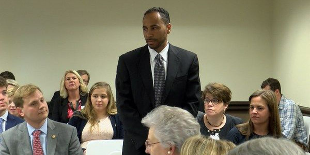 State hires away Lowndes County superintendent in unanimous vote