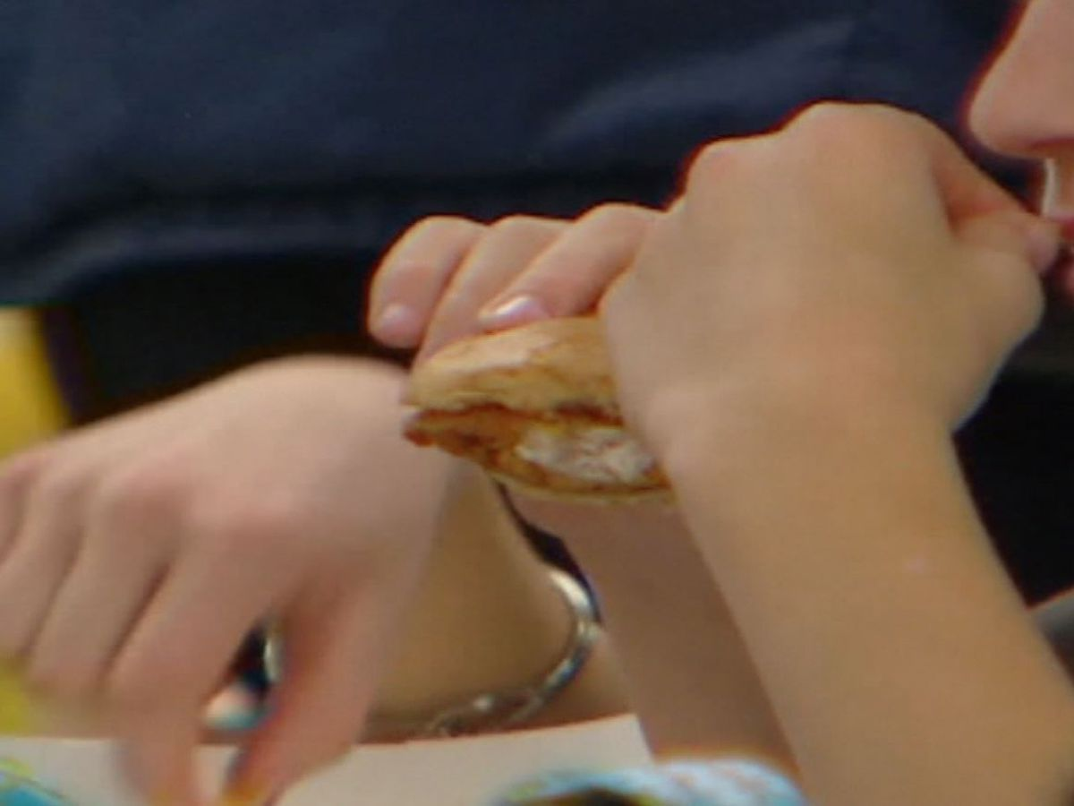 Strict parents make picky eaters even pickier, study suggests