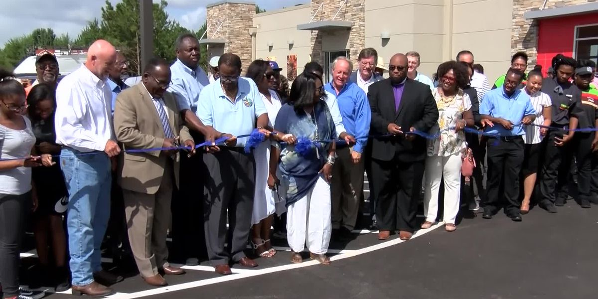 Ribbon cutting ceremony held at new Shorter Burger King and Popeye's