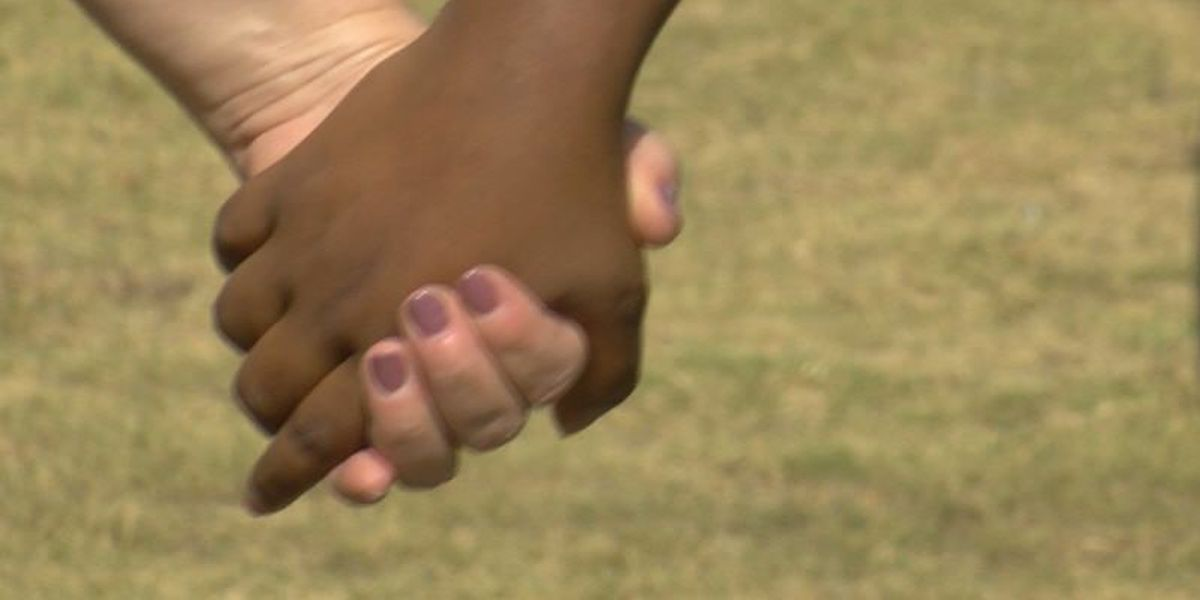 ASU hosts human chain event to fight domestic violence