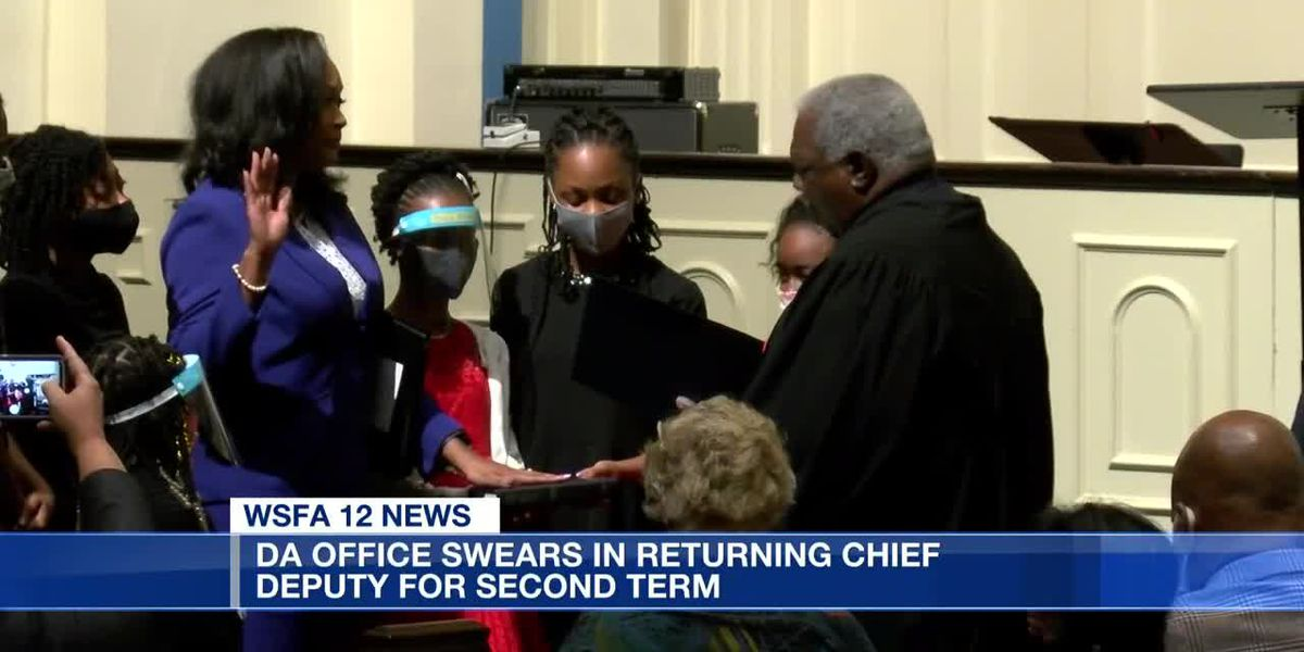 DA's office swears in returning chief deputy for second term