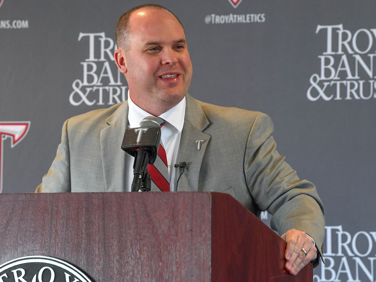 2 more coaches added to Lindsey's staff at Troy