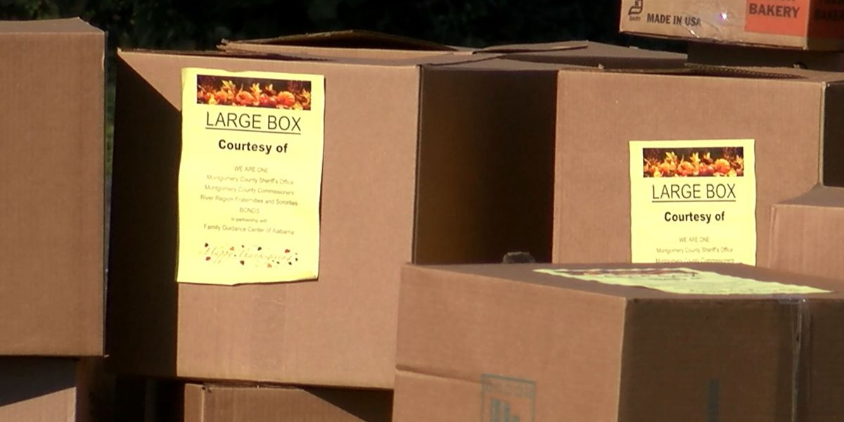 250 Montgomery families get Thanksgiving dinner