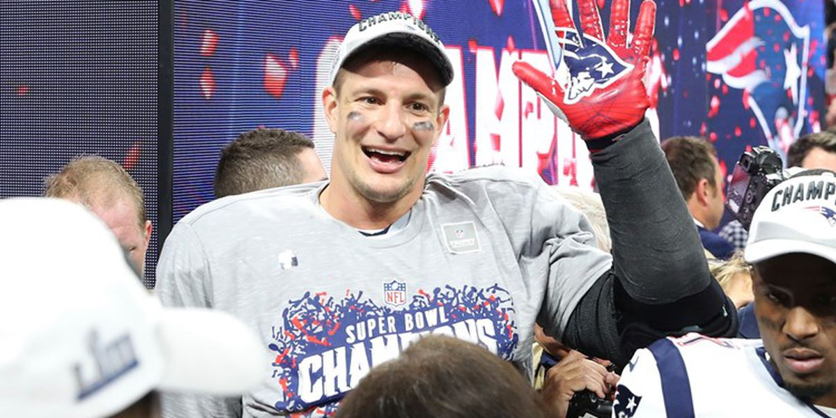 Rob Gronkowski dents New England's Super Bowl trophy