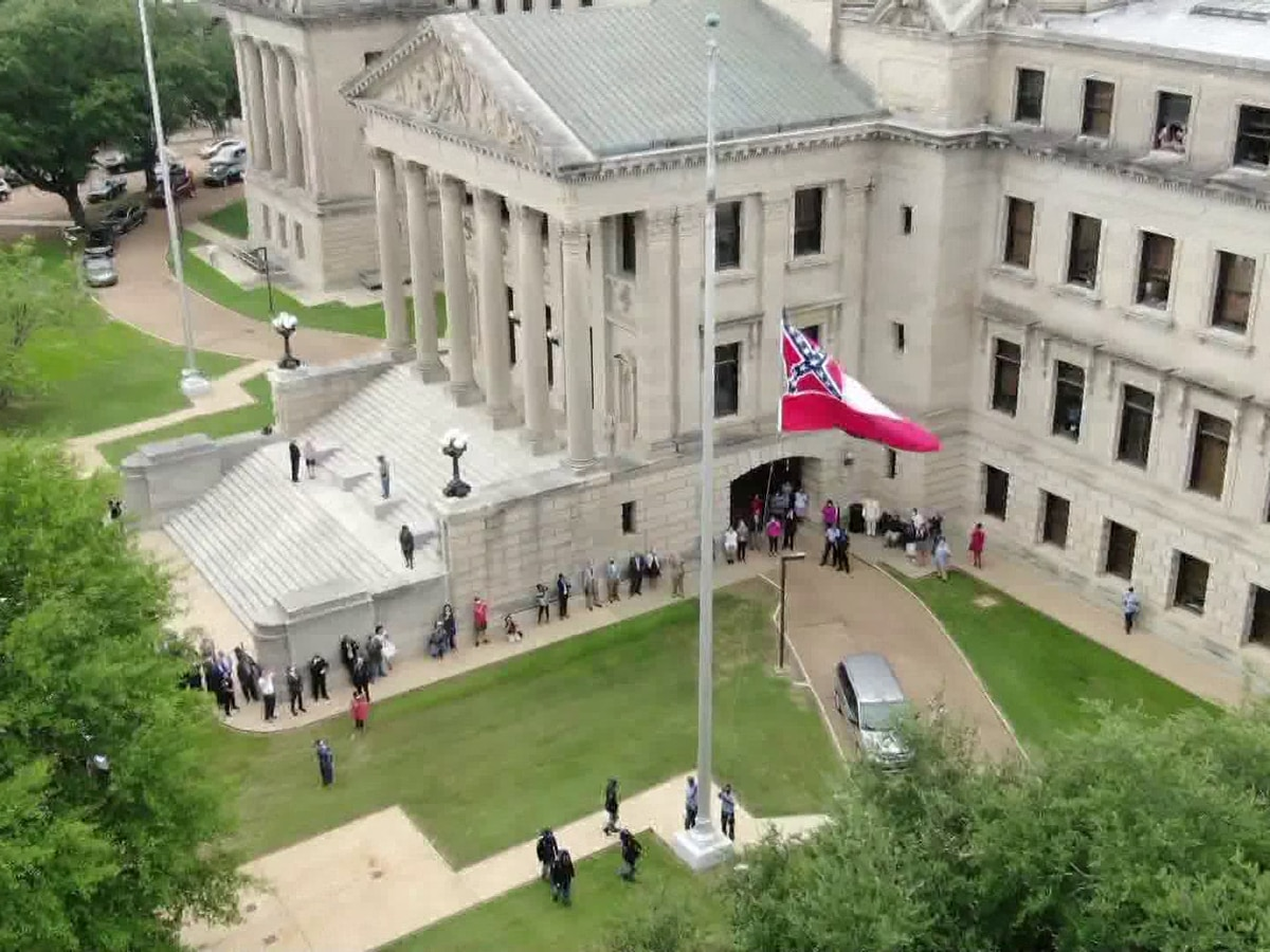 Mississippi state flag officially retired after 126 years