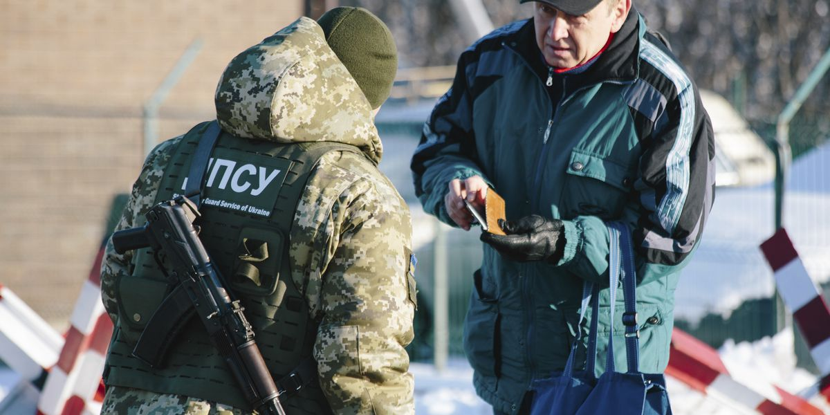 Ukraine bans Russian men from entering the country