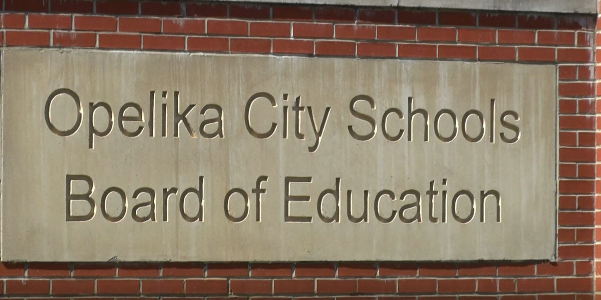 Opelika City Schools to replace prayer with moment of silence before games