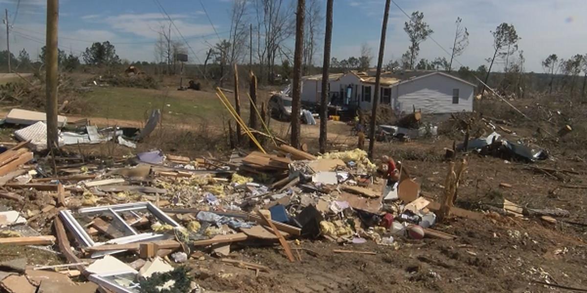 Clean up efforts still underway in Lee County