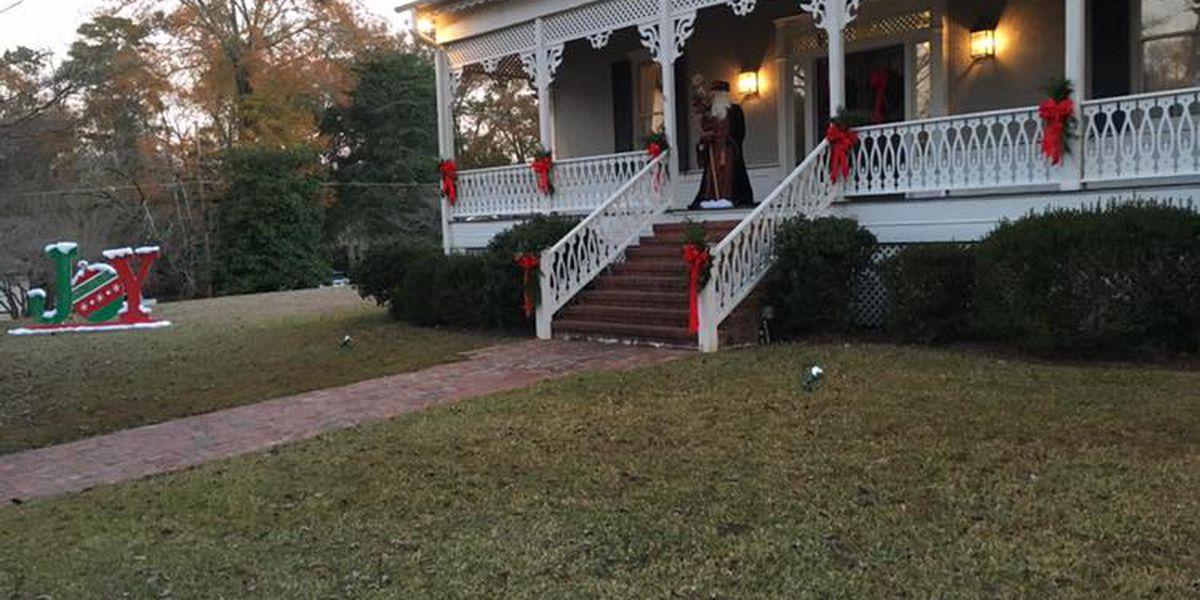 Opelika kicks off Victorian Front Porch Christmas tour Wednesday
