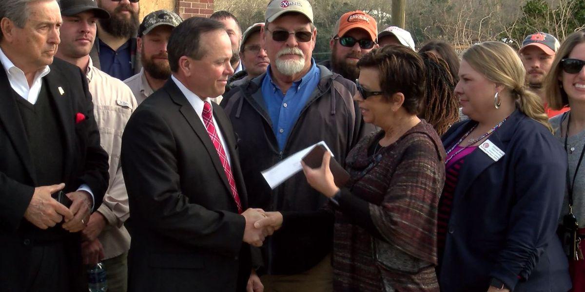 Wind Creek casinos donate $100,000 to three tornado-damaged organizations