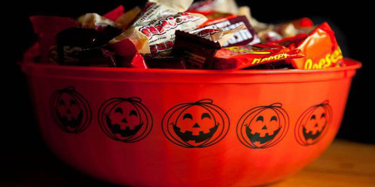 Eat Halloween candy with meals to cut cavity risk, ADPH says