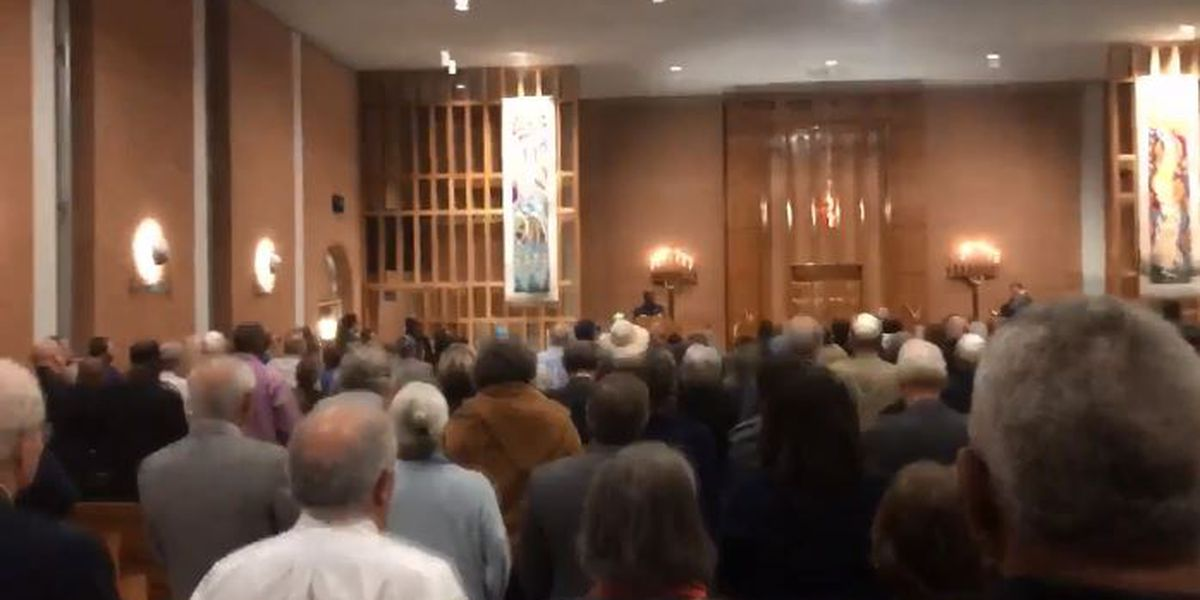 Community gathers to honor lives lost in synagogue shooting