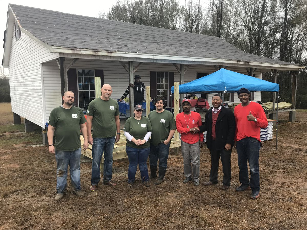 Home Depot employees spruce up The Prodigal Son's House in Selma
