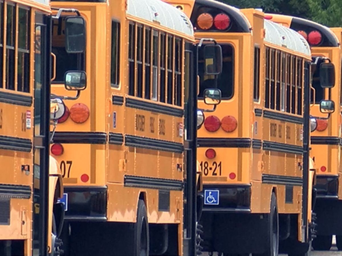 Gov. Ivey urges in-person learning at Alabama schools in 2021