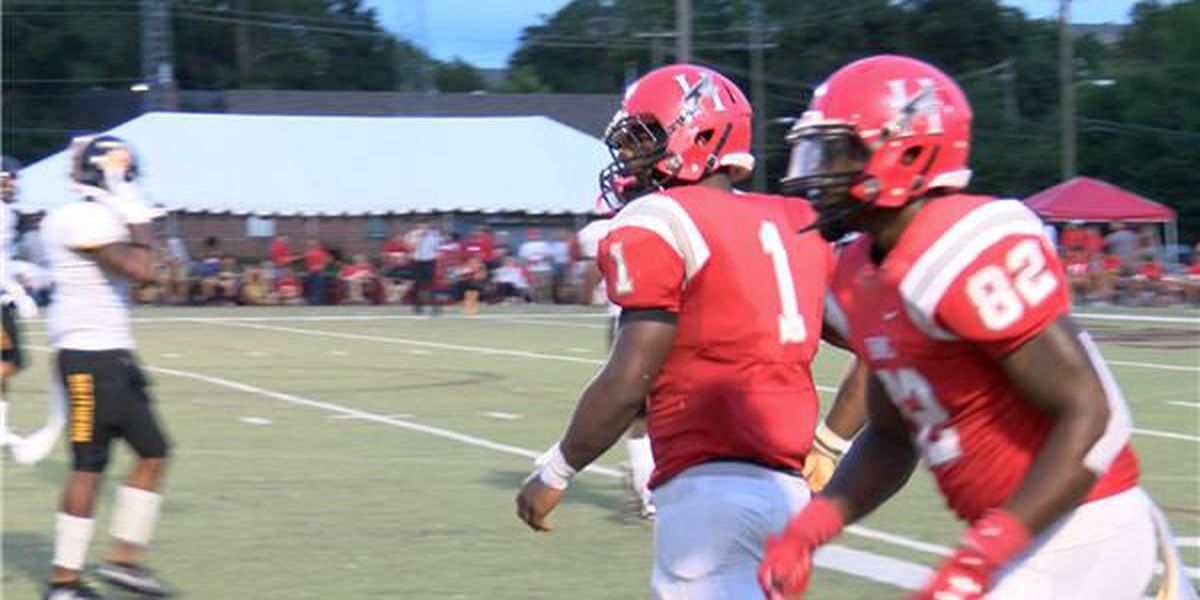 Huntingdon fumbles lead, drops game against Birmingham Southern