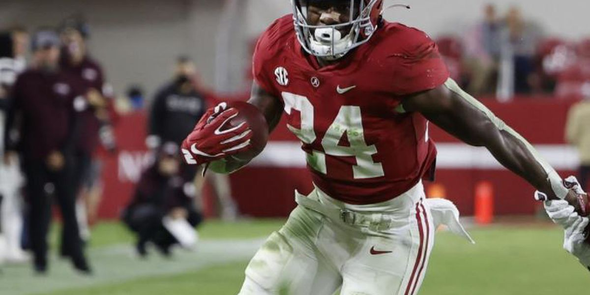 Alabama running back Trey Sanders hurt in car accident