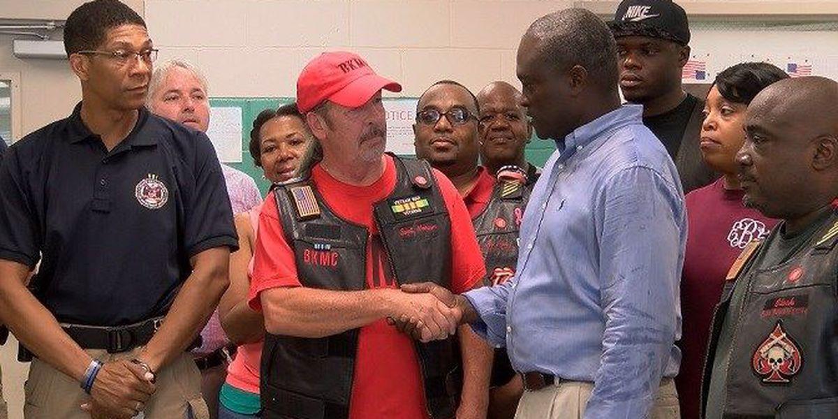 Law enforcement, motorcycle club help Alex City community center