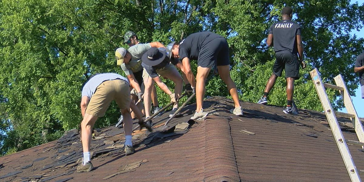 UAB Football helps renovate home in Fairfield