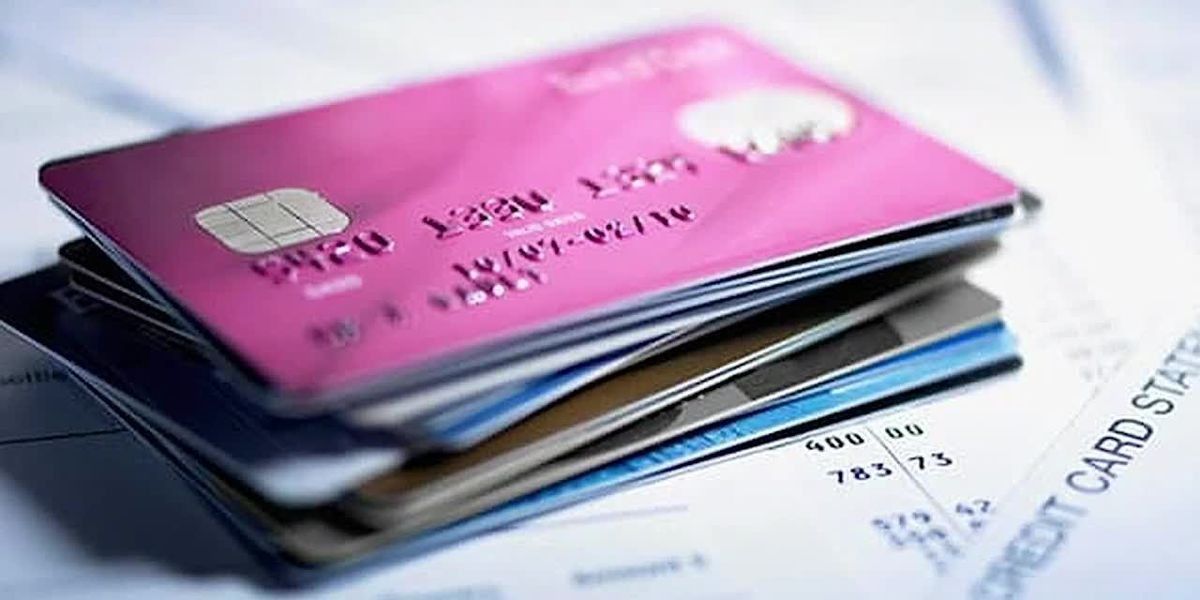 More Americans racking up credit card debt during COVID-19 pandemic