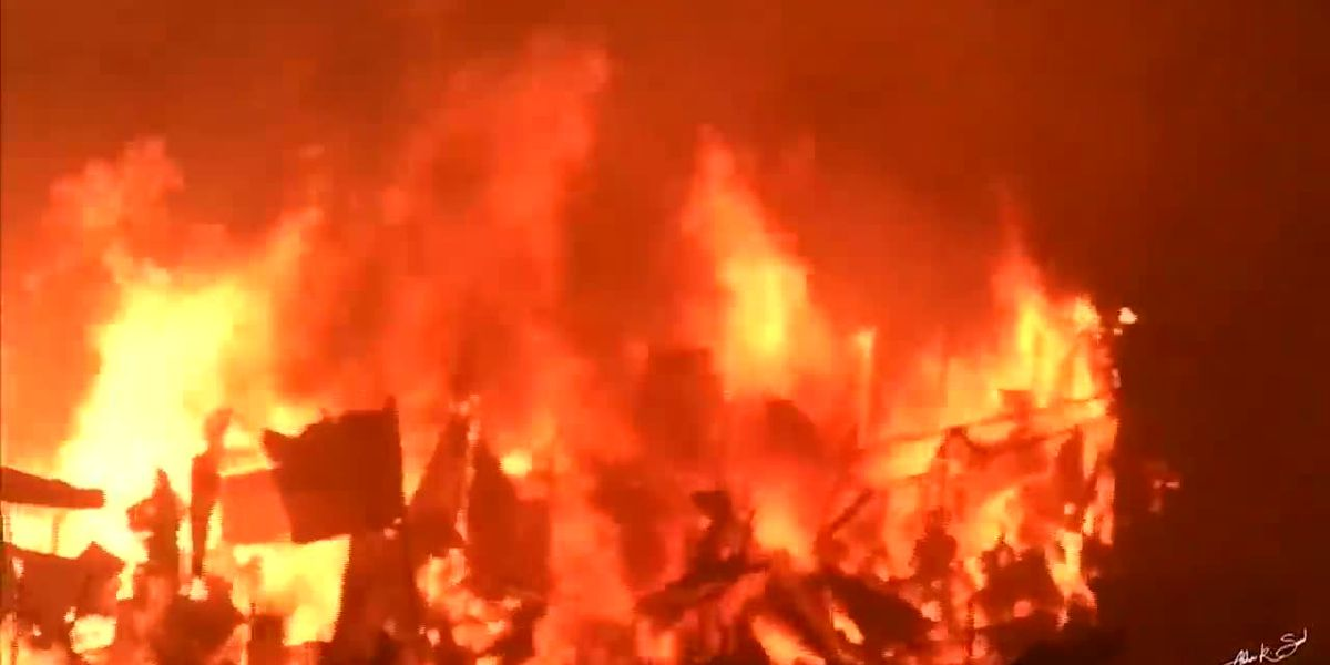 Fire in Bangladesh leaves 10,000 homeless
