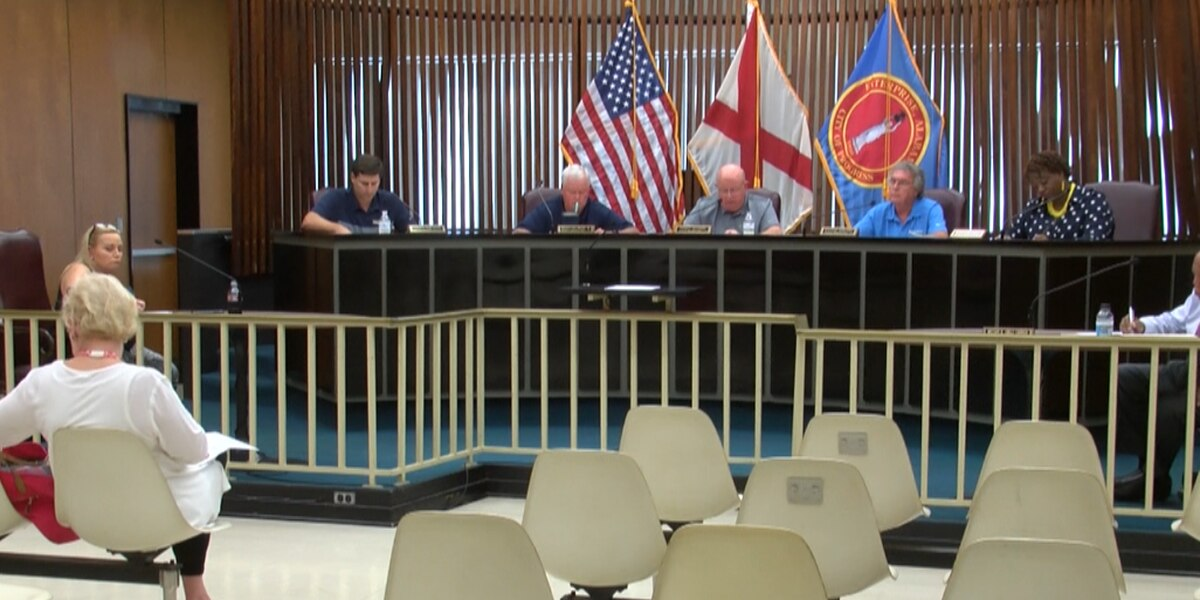 Enterprise city clerk resigns, councilors start budget talks