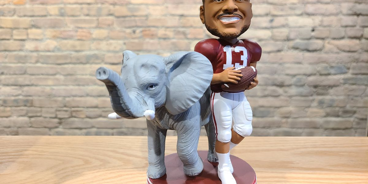 Tua Honored at Bobblehead Hall of Fame