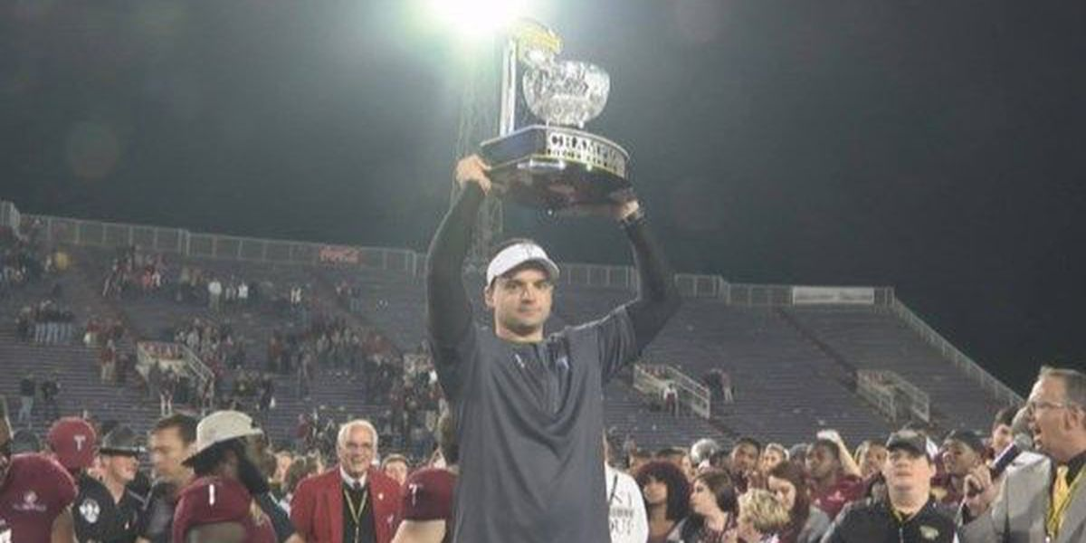 Troy's Neal Brown named Sun Belt Coach of the Year