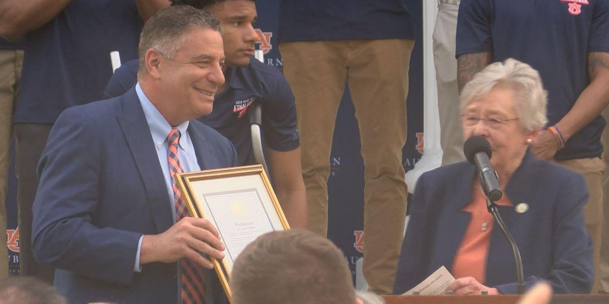 Gov. Kay Ivey honors Auburn men's basketball team