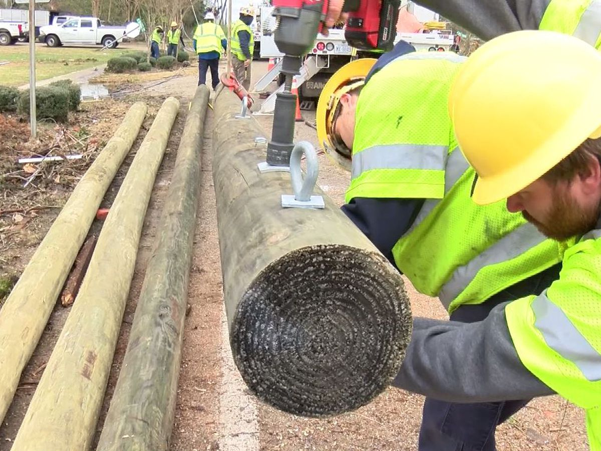 Massive cleanup continues in Wetumpka
