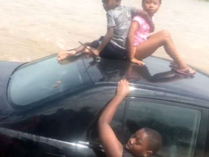WATCH: Good Samaritans save Pa. father, 4 kids after car swept up in floodwaters