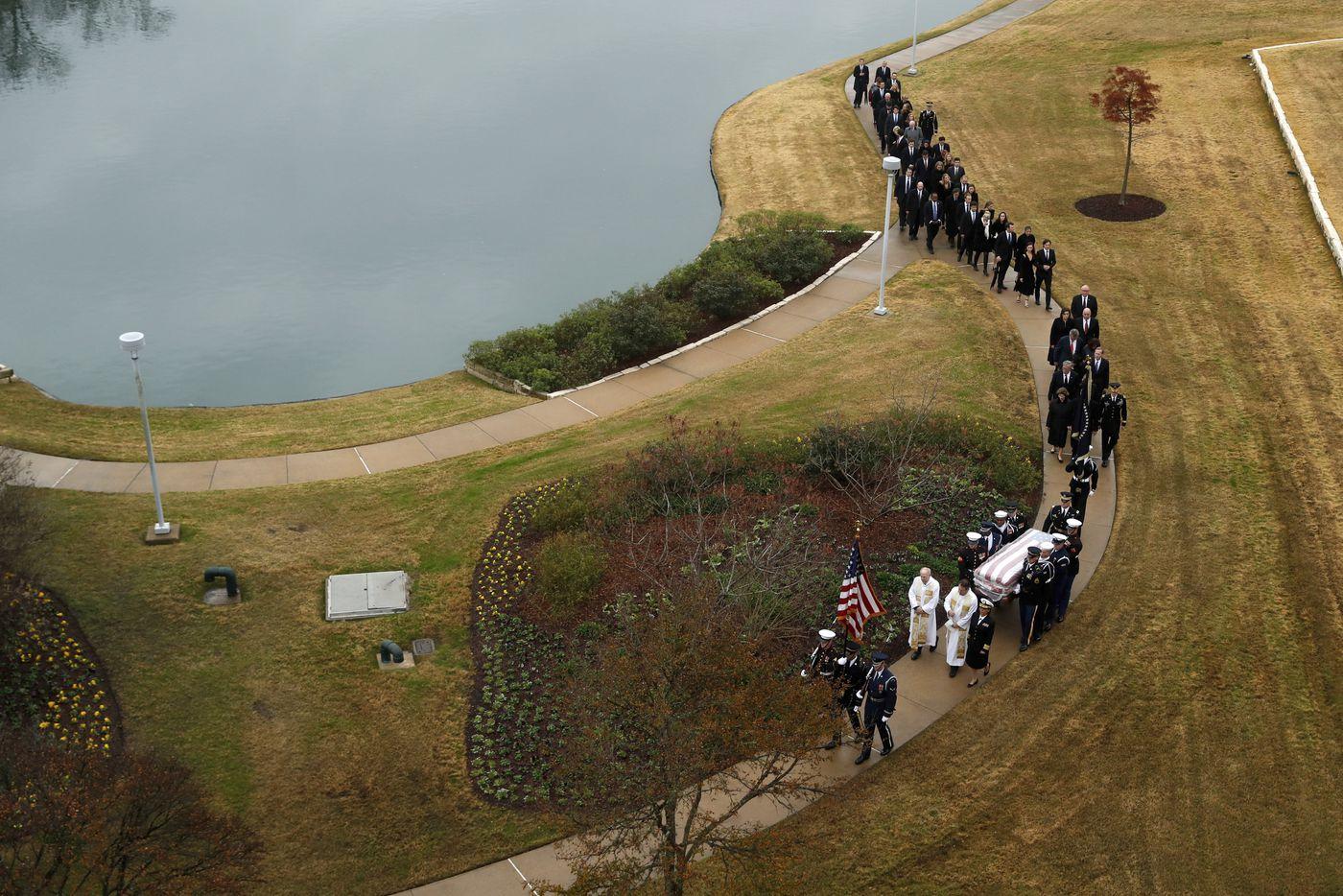 Thousands Salute Bush Funeral Train 4141 On Final Texas Ride