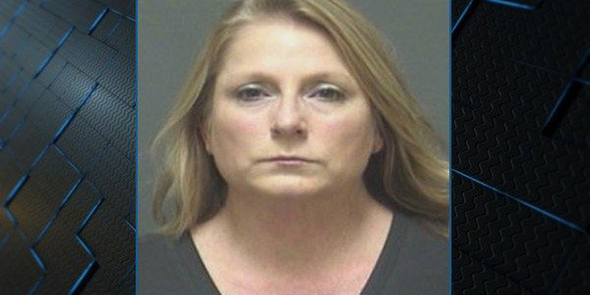 Woman charged after deposits stolen from Dothan event venue