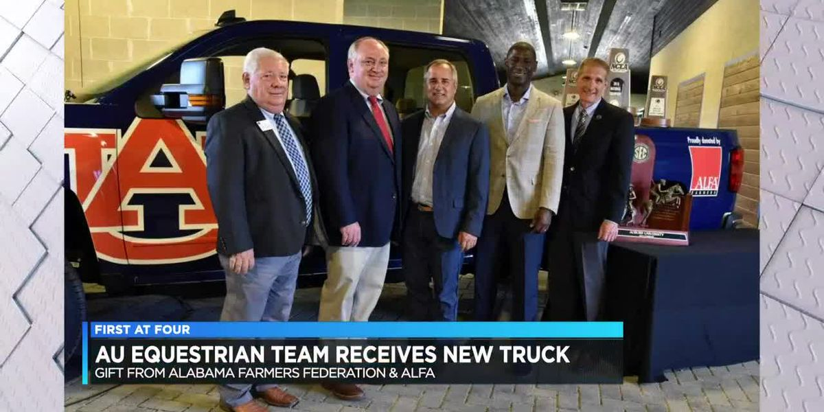 AU Equestrian team receives new truck
