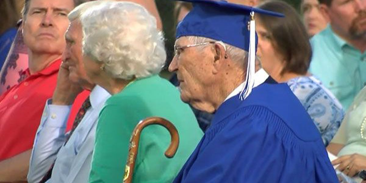 93-year-old Army veteran receives high school diploma