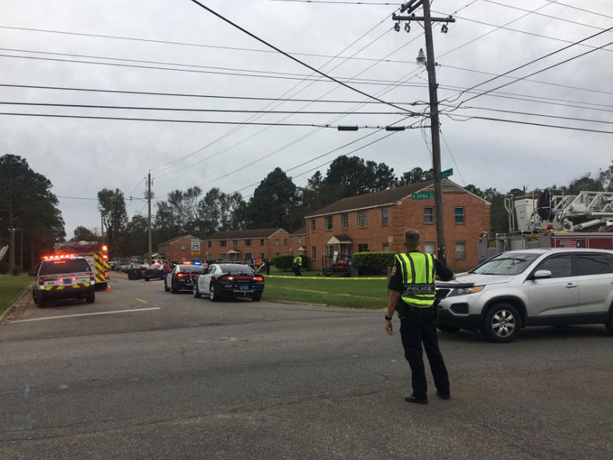 Truck crashes into Dothan apartment unit