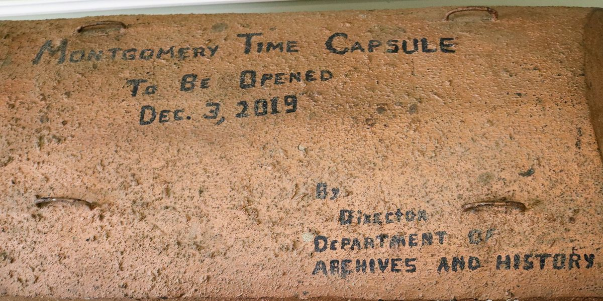 Montgomery opens old time capsule to celebrate bicentennial