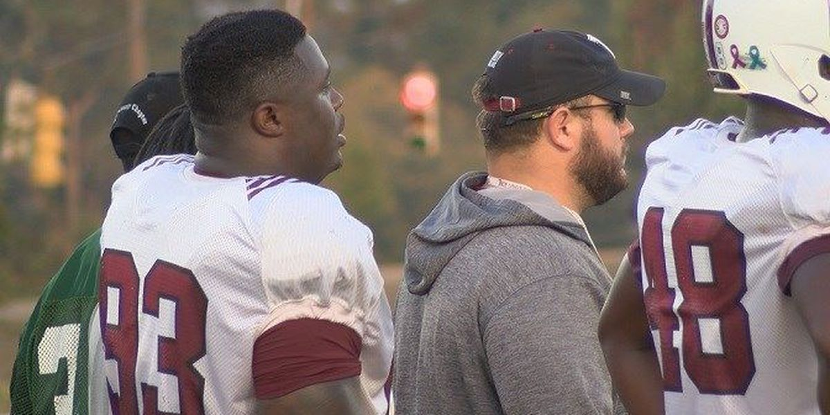 Troy football player praised for actions at crash scene