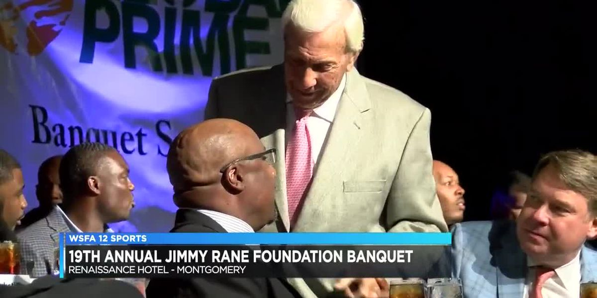 Legendary Auburn coach Pat Dye honored at Jimmy Rane Foundation Banquet