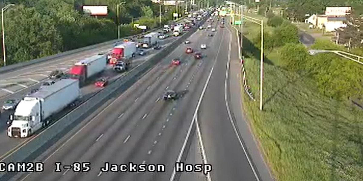5-vehicle crash causes I-85 South delays in Montgomery