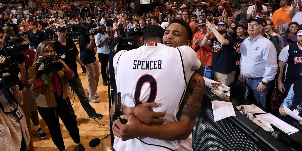 Horace Spencer signs with professional Argentinean team
