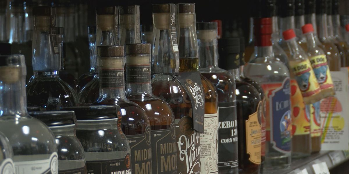Ivey signs Alabama alcohol delivery bill into law