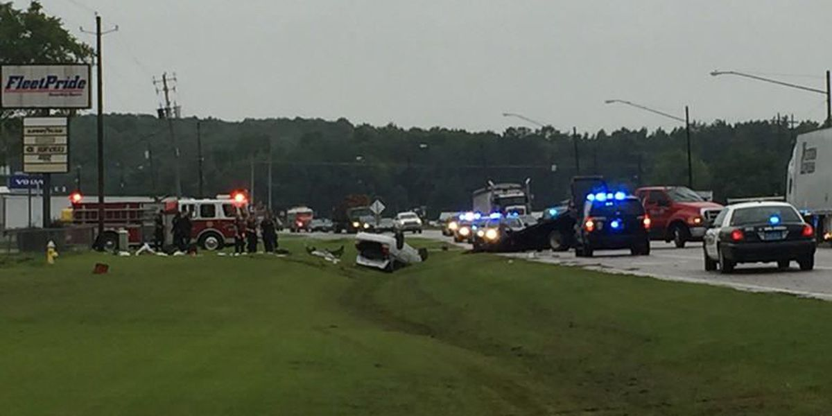 Driver seriously injured in single-vehicle crash in Montgomery