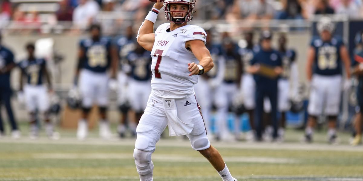 Barker accounts for 4TDs in Trojans' win over Akron