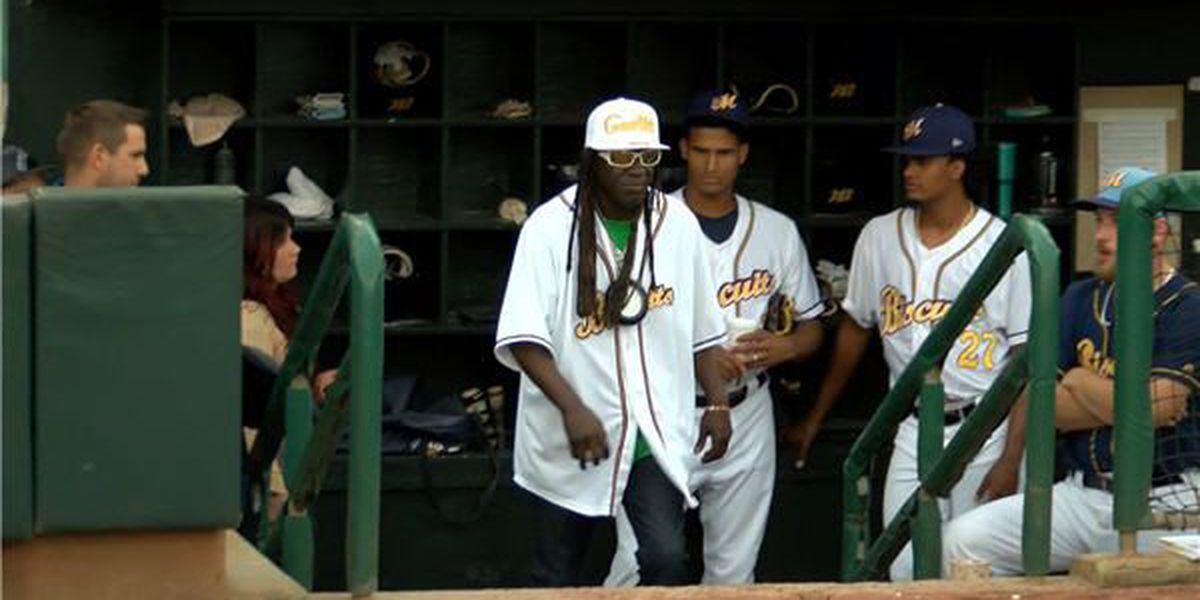 Flavor Flav throws out 1st pitch at Biscuits game