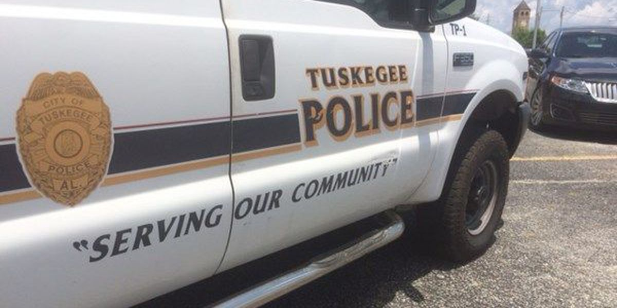 New Tuskegee police chief uses meet-and-greet to build community trust