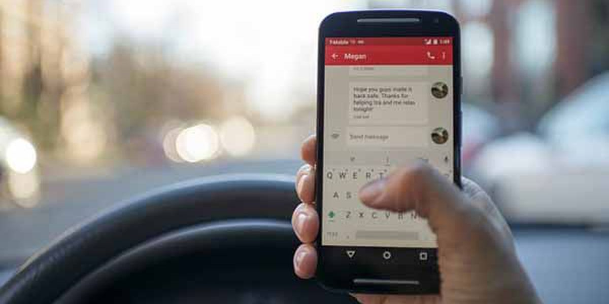 Alabamians discuss whether state should have hands-free driving law